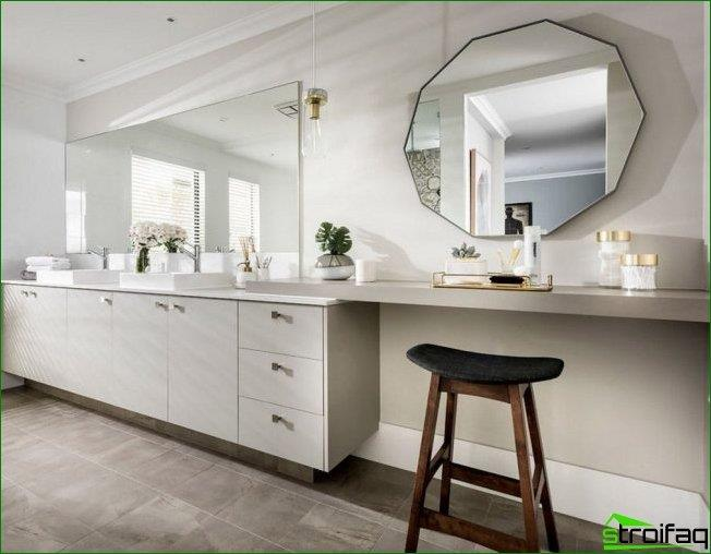 Facet mirror with a straight treatment