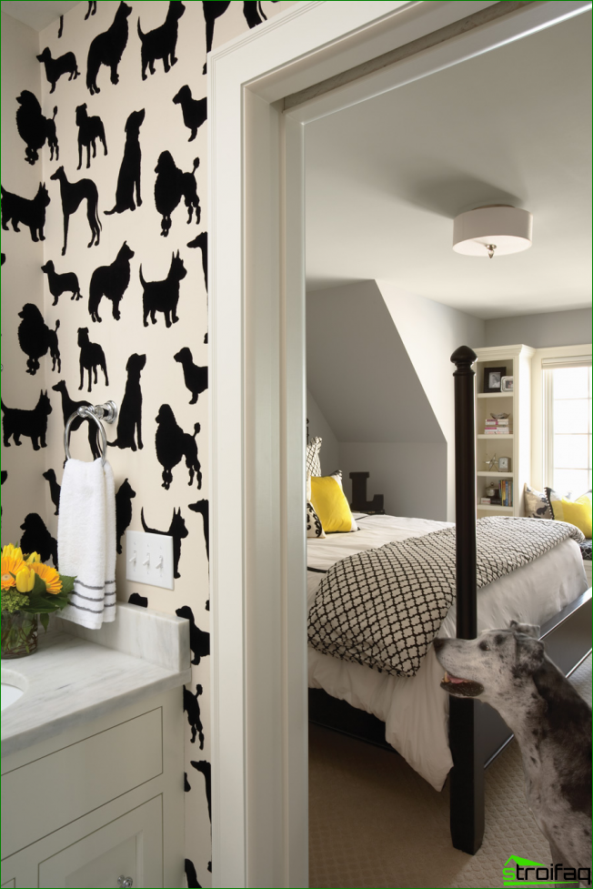 The original solution for the decoration of the walls with traditional wallpaper with graphic drawings
