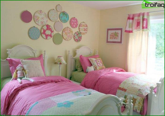 How to make room interior for two girls