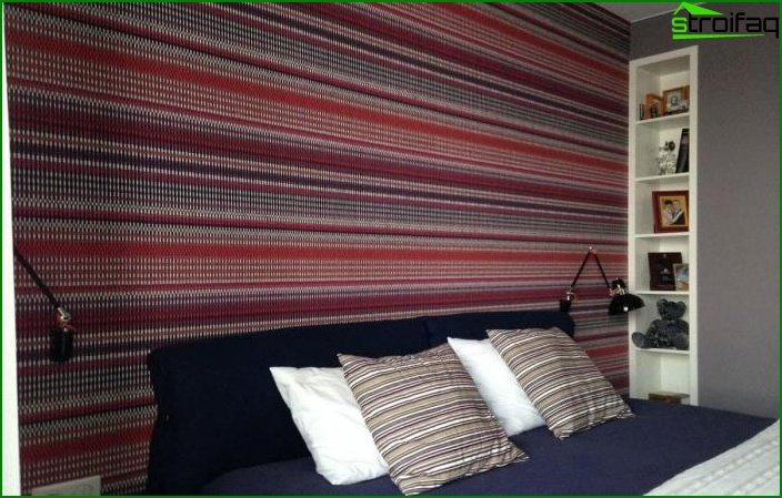 Striped wallpaper in the interior of the bedroom 4