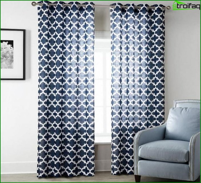Curtains with a geometric print 2