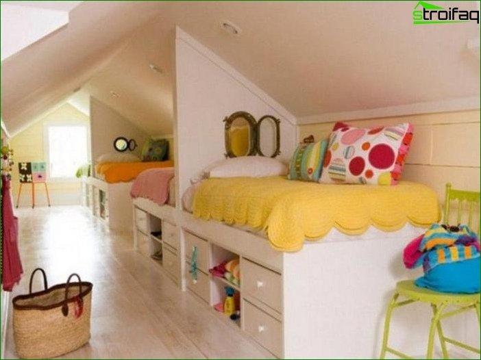 How to arrange a bed in a nursery
