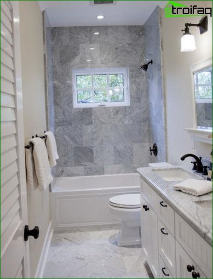 Spacious bathroom with toilet