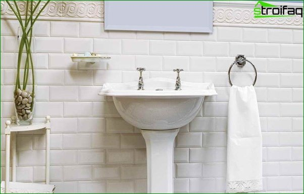White tile in the interior - 1