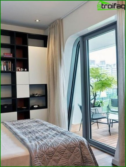 Bedroom with separated balcony or loggia - photo