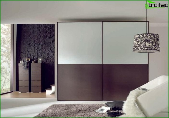 Options for finishing and design of the wardrobe in the bedroom