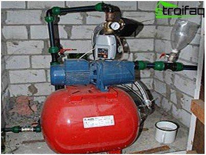 Tilslutning af pumpen til vandforsyningen
