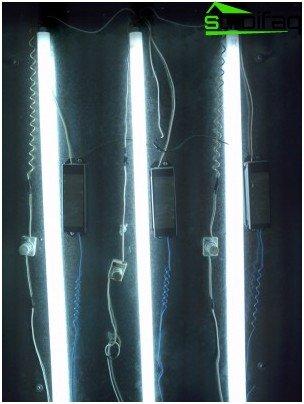 Energiesparende lineare Leuchtstofflampen