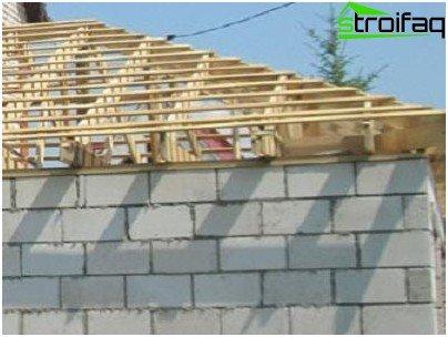 Installatie van houten balk Mauerlat