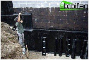Waterproofing roll material