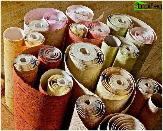 Bredden af en standardrulle er cirka 52 cm, længden er 10 m.