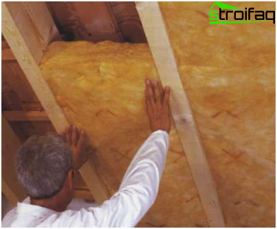 Insulation of the roof of the bath from the attic