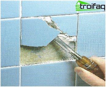 Was ist der beste Weg, um eine Fliese von einer Wand zu entfernen?