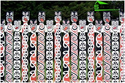 patterned fence