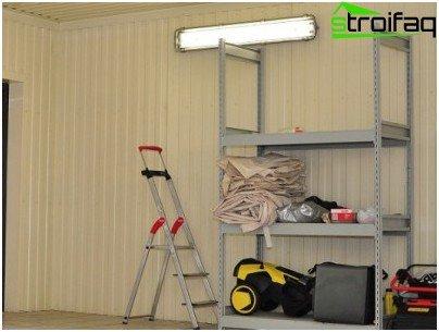 Вагонка для внутрішньої обробки гаража