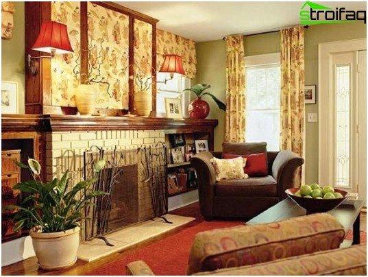 Decoratieve open haard in het ontwerp van woningen