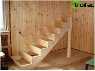 Loft staircase with own hands from lumber