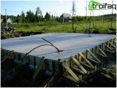 Floating foundation formwork