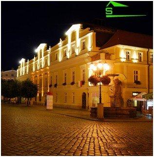 Weißes Licht von LED-Straßenlaternen