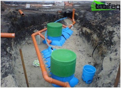 The device of septic tanks for wastewater treatment