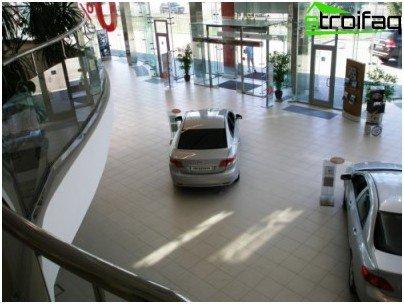 Industrial floor at a car dealership