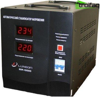 Regulador de voltaje automático