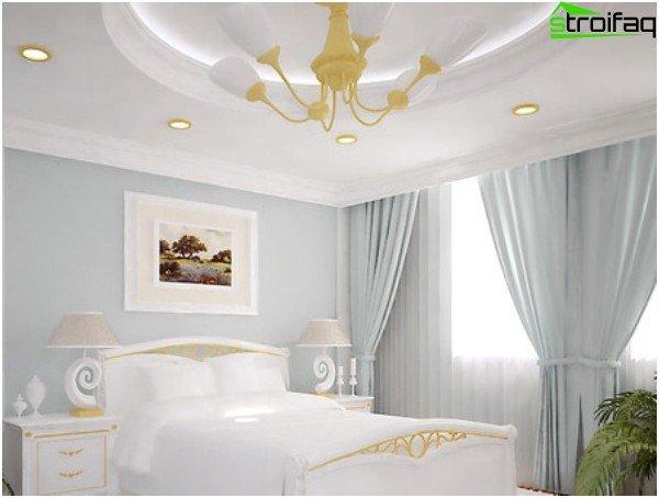 Slaapkamer aan de zonzijde: koude tinten in het interieur
