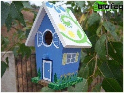 оцветяване на къщички за птици