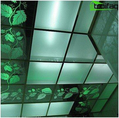 Glasloft med farvet glas