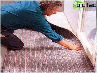 Colocando la alfombra en la logia