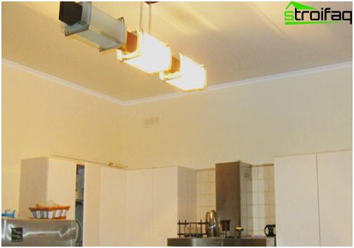 Soffitti tesi in cucina: foto №6