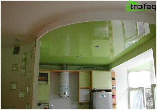 Soffitti tesi in cucina: foto №2