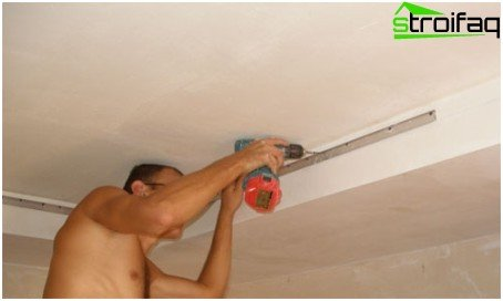 Montaggio di un soffitto teso