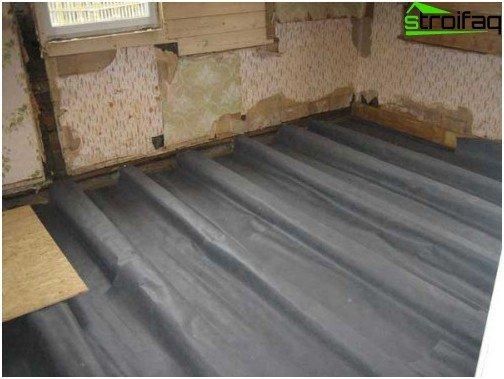 Okleyechny العزل المائي للأرضيات الخشبية