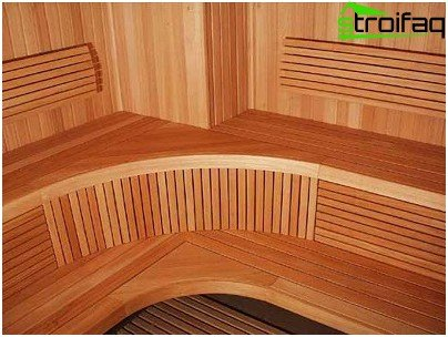Idea for placing a bench in a steam room
