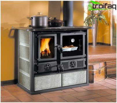 Metal fireplace stove