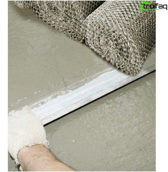 Armering af gulvet med metalnet