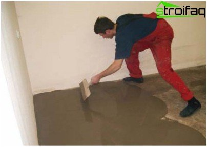 Leveling the surface under the parquet board