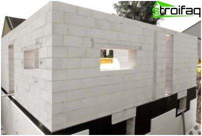 Bloques de espuma de hormigón como material de construcción.