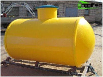 Plastic septic tank for gardening