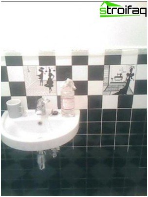 Chess way of laying tiles in the bathroom