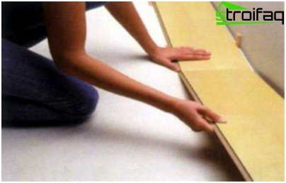 How to put the first row of parquet board