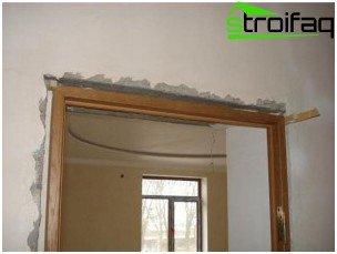 Installing the door frame in the doorway