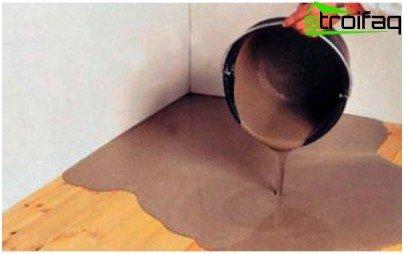 Brug en selvudjævnende blanding til at udjævne gulvet
