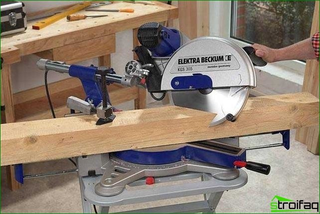 Precise cutting with miter saw