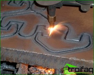 Laser cutting of metal and its features