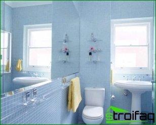 ¿Se pueden usar muebles si el baño es pequeño?