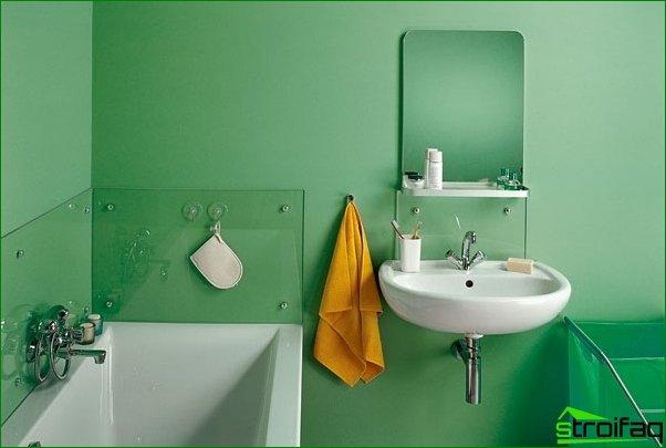 Pintar las paredes en el baño.