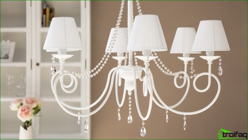 Modern types of chandeliers and their features