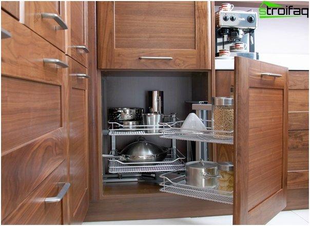 Ikea - 4: n keittiökalusteiden hyllyt ja laatikot